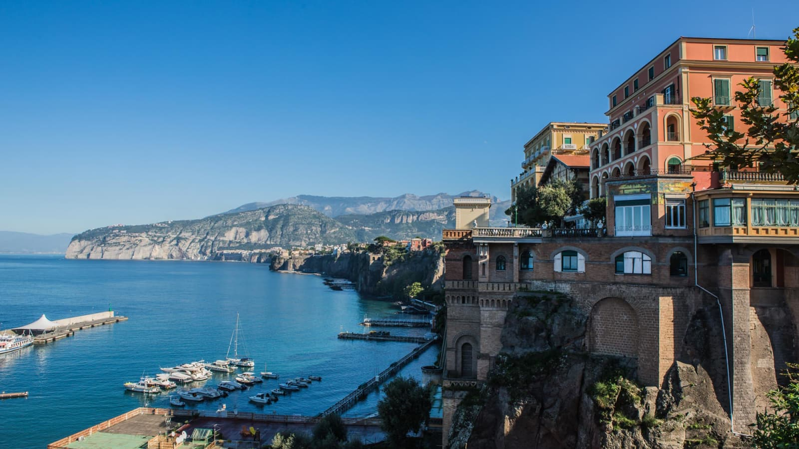 Sorrento Holidays 2017 From Topflight