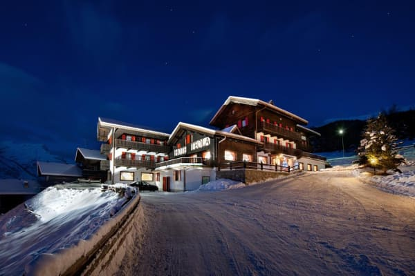 Hotel Teola,Copper Face Jacks Ski Trip