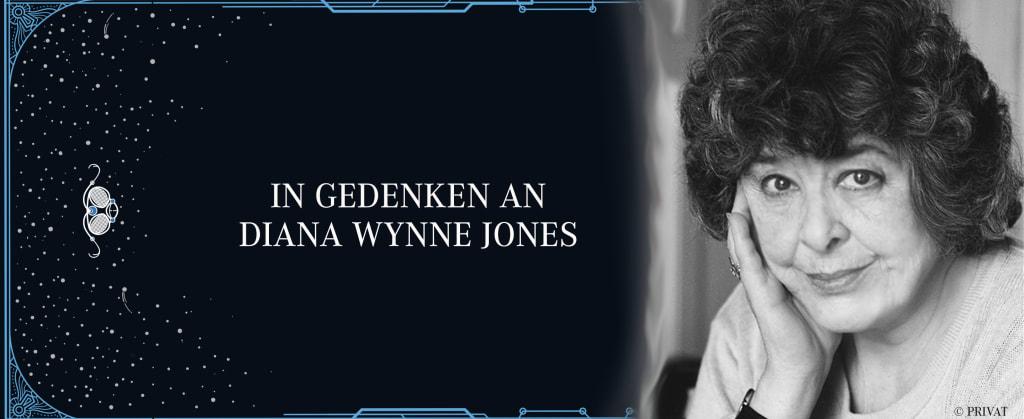 """auf der rechten Seite Foto der Autorin Diana Wynne Jones, links daneben der Satz """"In Gedenken an Diana Wynne Jones"""""""