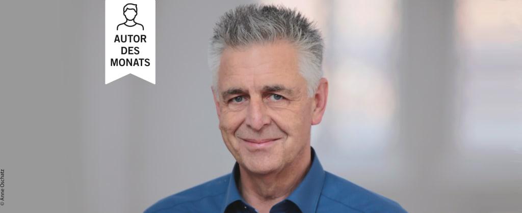 """Wimpel mit """"Autor des Monats"""" mit einem Bild von Bernd Schwarze"""