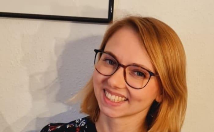 Übersetzerin Margarita Ruppel mit Jia Tolentinos Essayband »Trick Mirror«