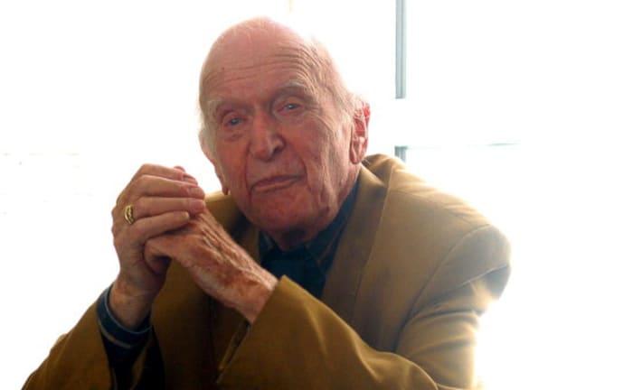 Der Autor Hans Keilson bei einer Lesung