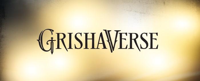 """schwarz-goldener Hintergrund mit schwarzem Schriftzug """"GrishaVerse"""""""