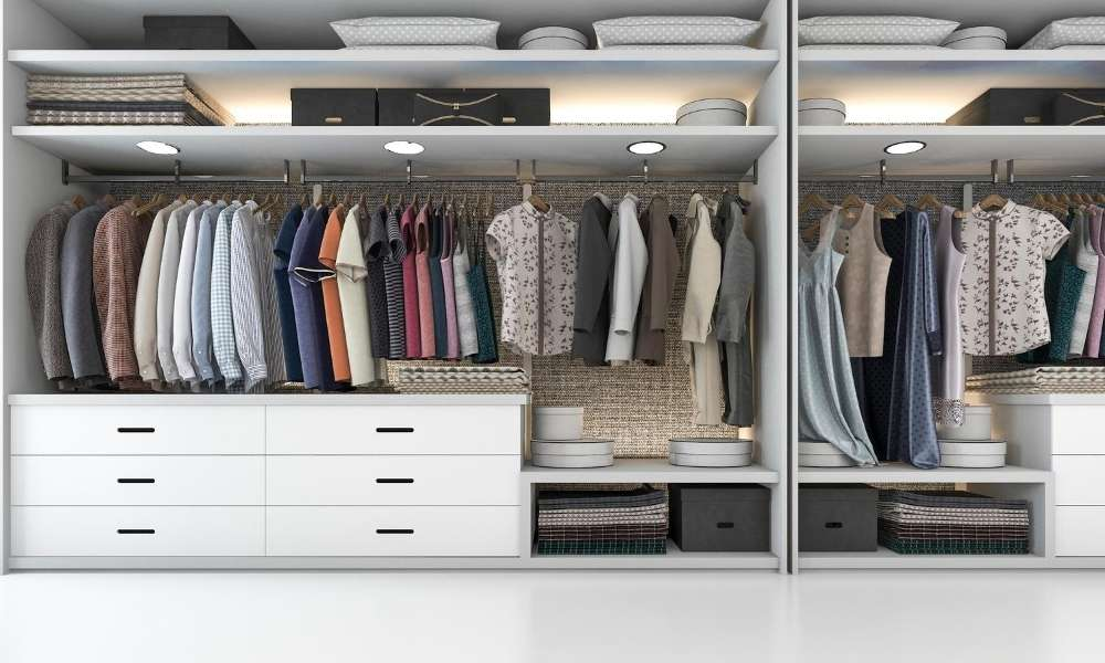 closet cleaning and organizing