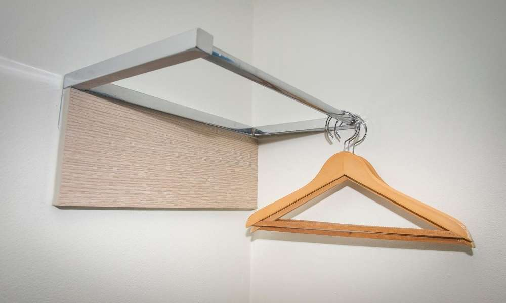 clothes hangers type