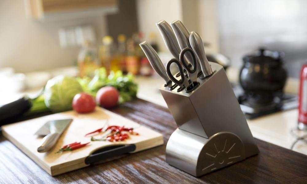 essential kitchen knives