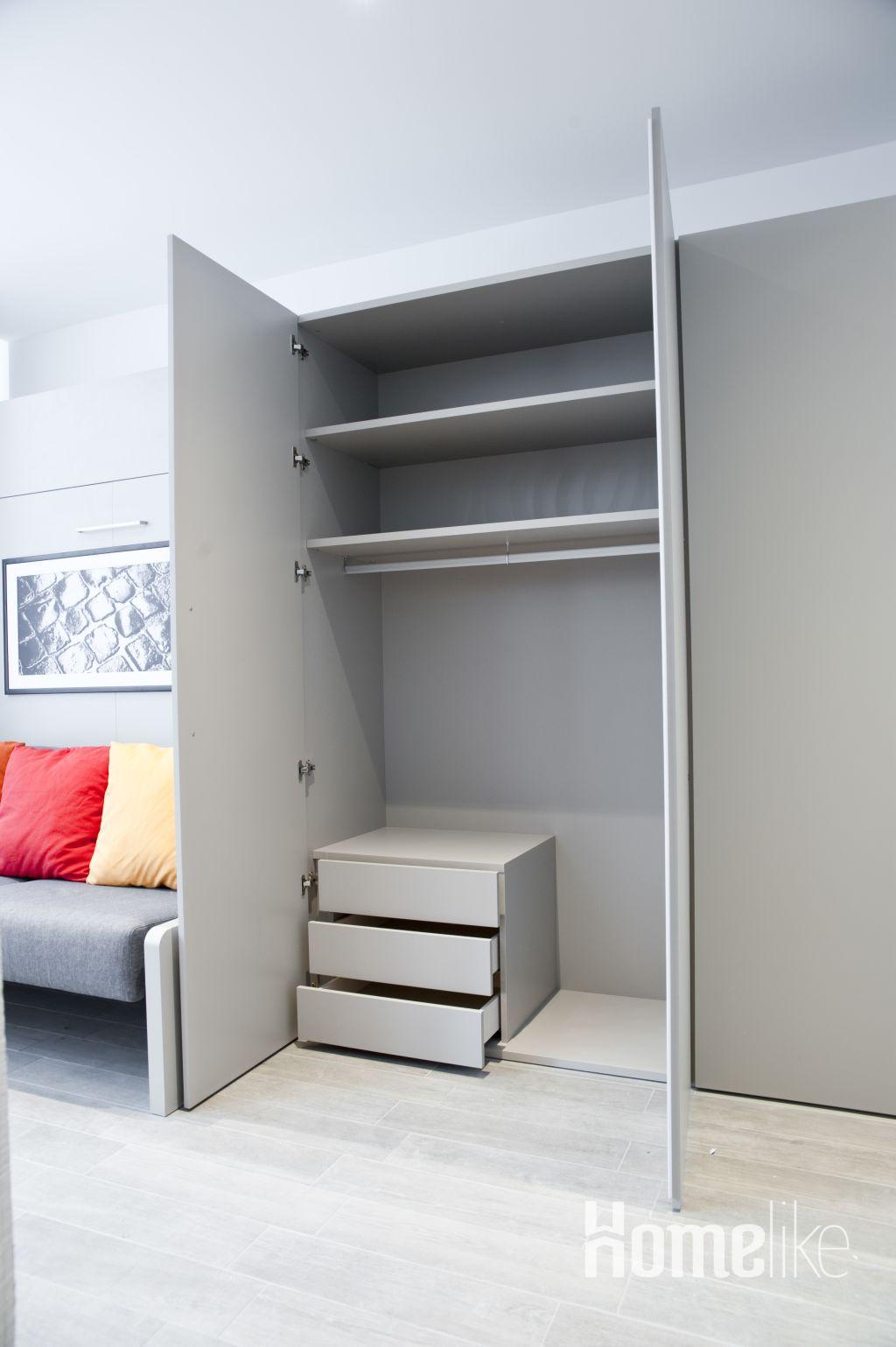 image 3 furnished 1 bedroom Apartment for rent in Innenstadt, Frankfurt