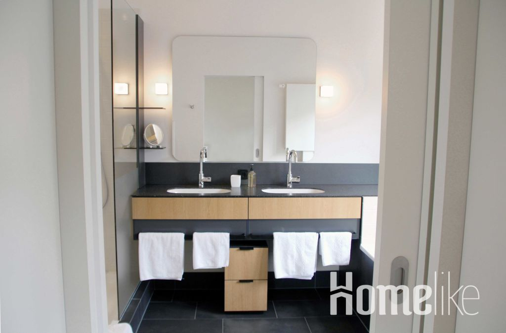 image 2 furnished 1 bedroom Apartment for rent in UHL Refuge, Nord