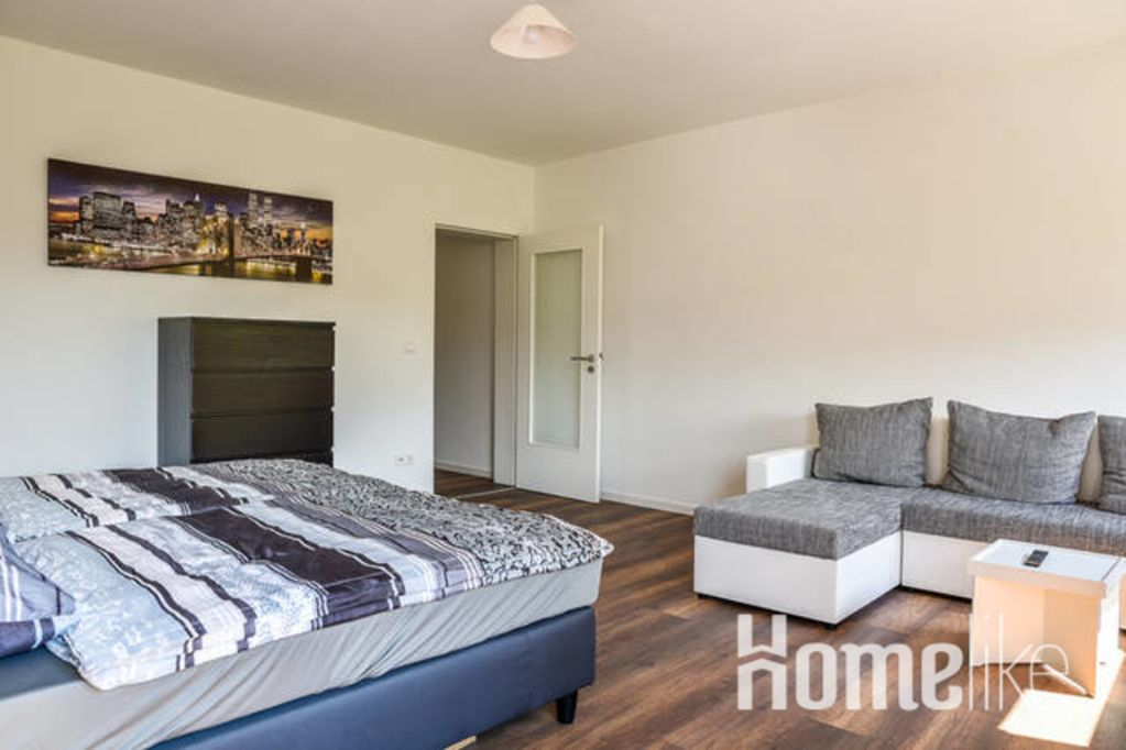 image 2 furnished 1 bedroom Apartment for rent in Mannheim, Baden-Wurttemberg