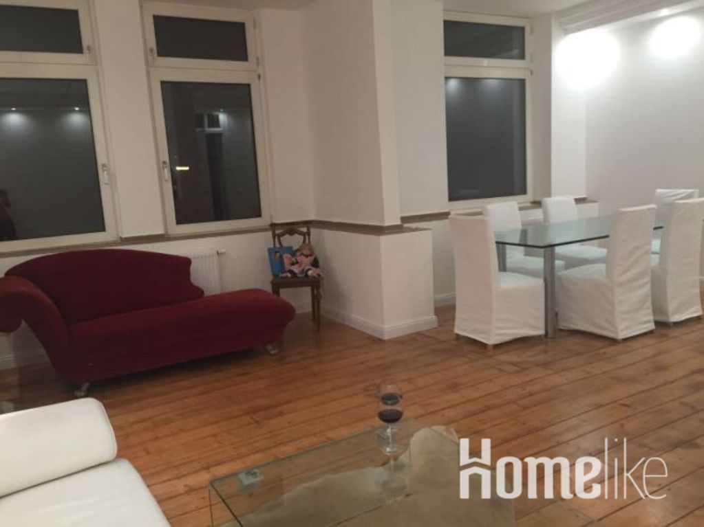 image 2 furnished 1 bedroom Apartment for rent in Friedrichstadt, Dusseldorf