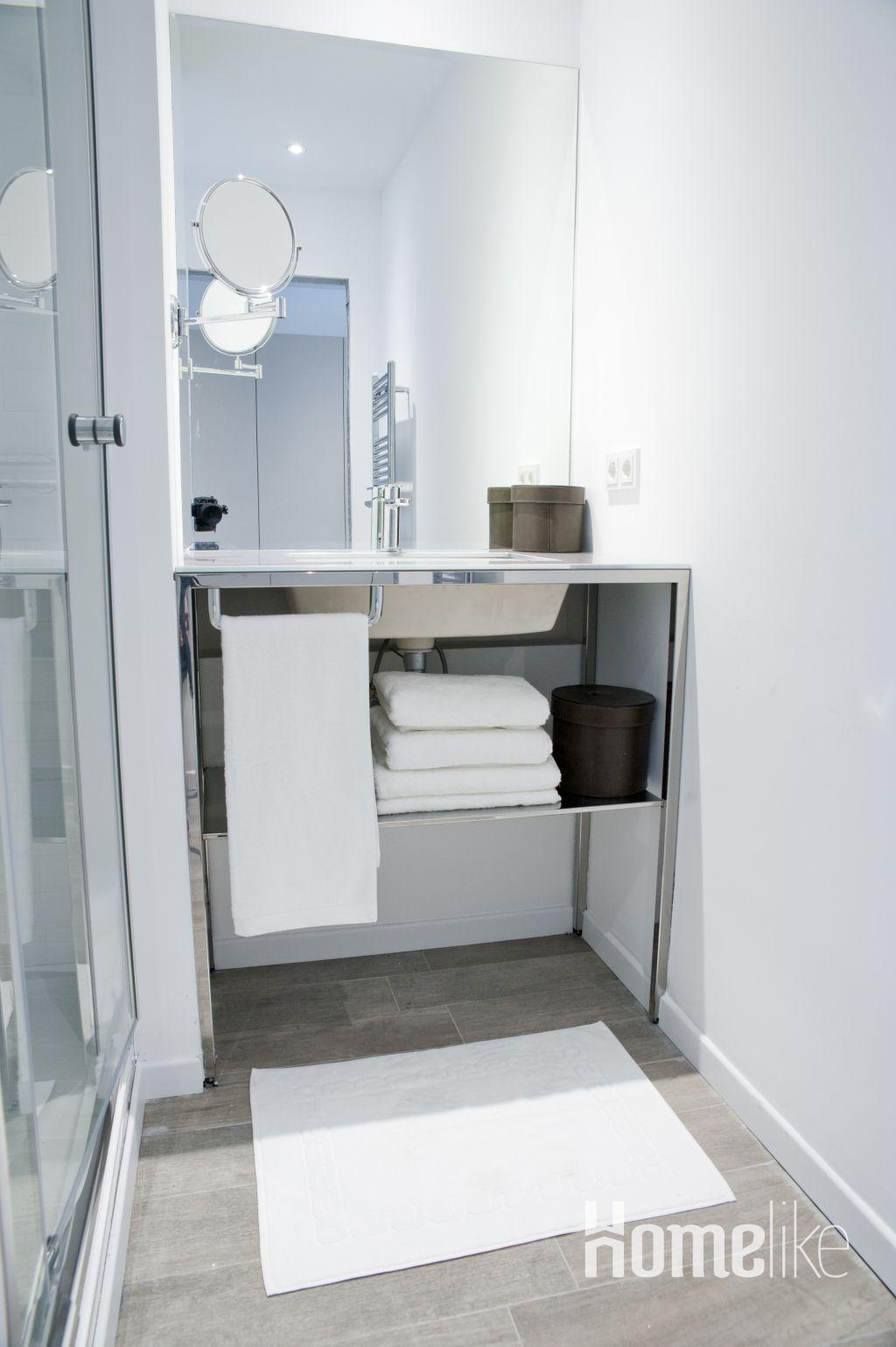 image 1 furnished 1 bedroom Apartment for rent in Innenstadt, Frankfurt