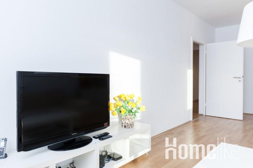 image 2 furnished 3 bedroom Apartment for rent in Friedrichshain, Friedrichshain-Kreuzberg