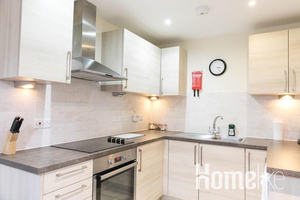 image 4 furnished 2 bedroom Apartment for rent in Surrey Heath, Surrey