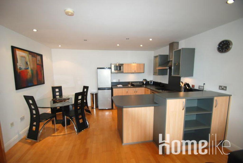 image 1 furnished 2 bedroom Apartment for rent in Spelthorne, Surrey