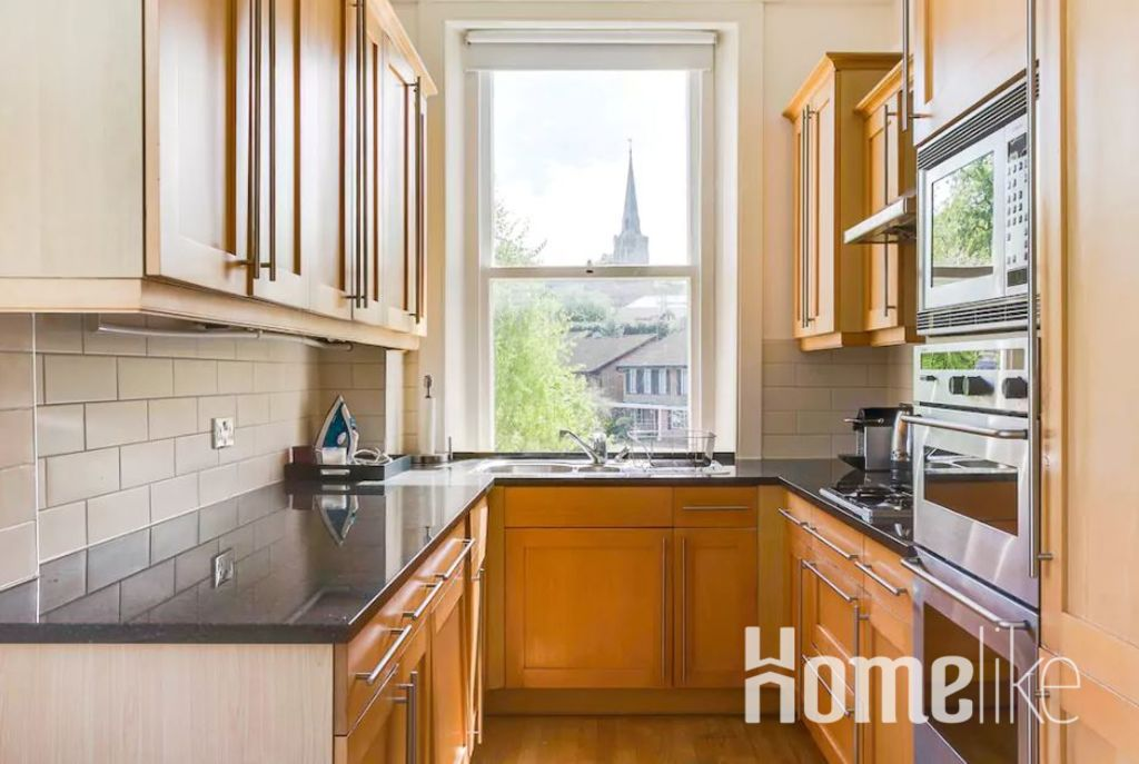 image 7 furnished 2 bedroom Apartment for rent in Wimbledon, Merton