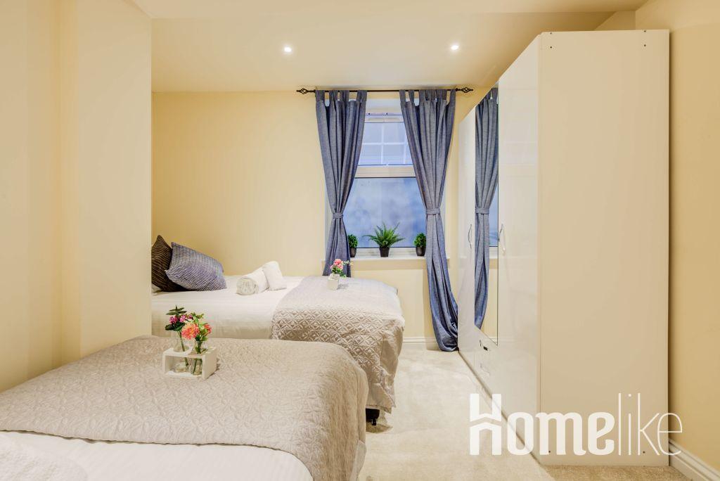 image 5 furnished 3 bedroom Apartment for rent in Brentford, Hounslow