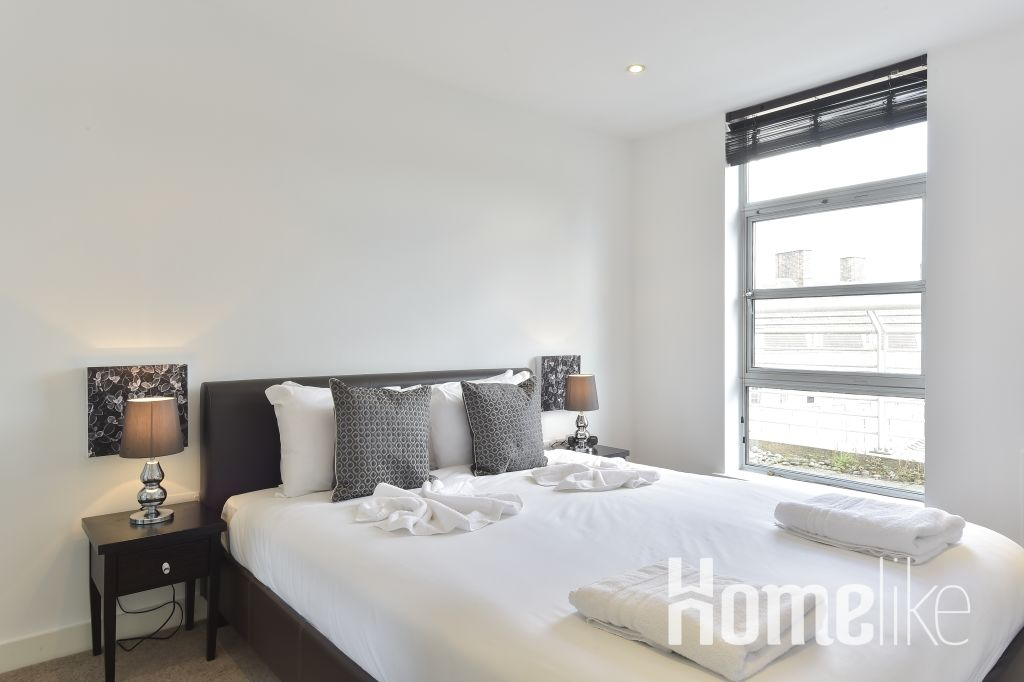 image 1 furnished 2 bedroom Apartment for rent in Spitalfields, Tower Hamlets