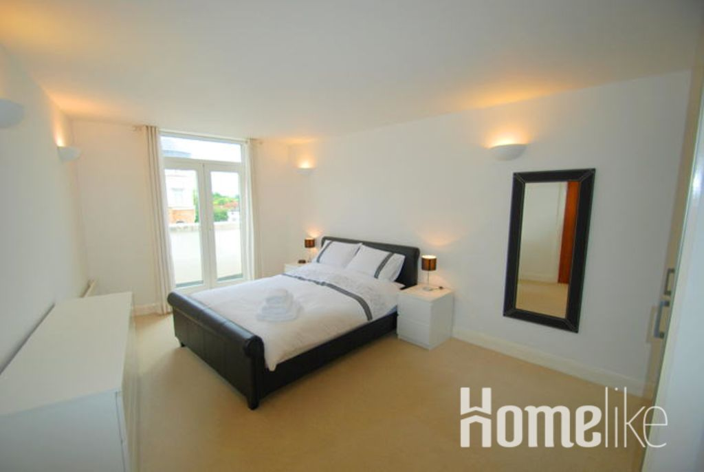 image 2 furnished 2 bedroom Apartment for rent in Spelthorne, Surrey
