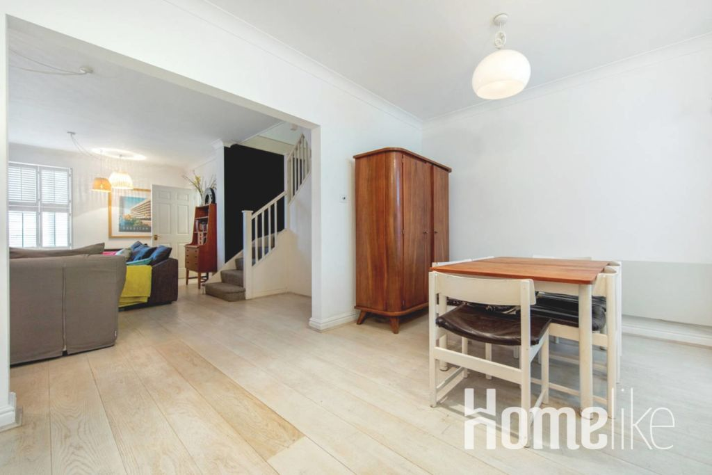 image 5 furnished 3 bedroom Apartment for rent in Kings Cross, Camden