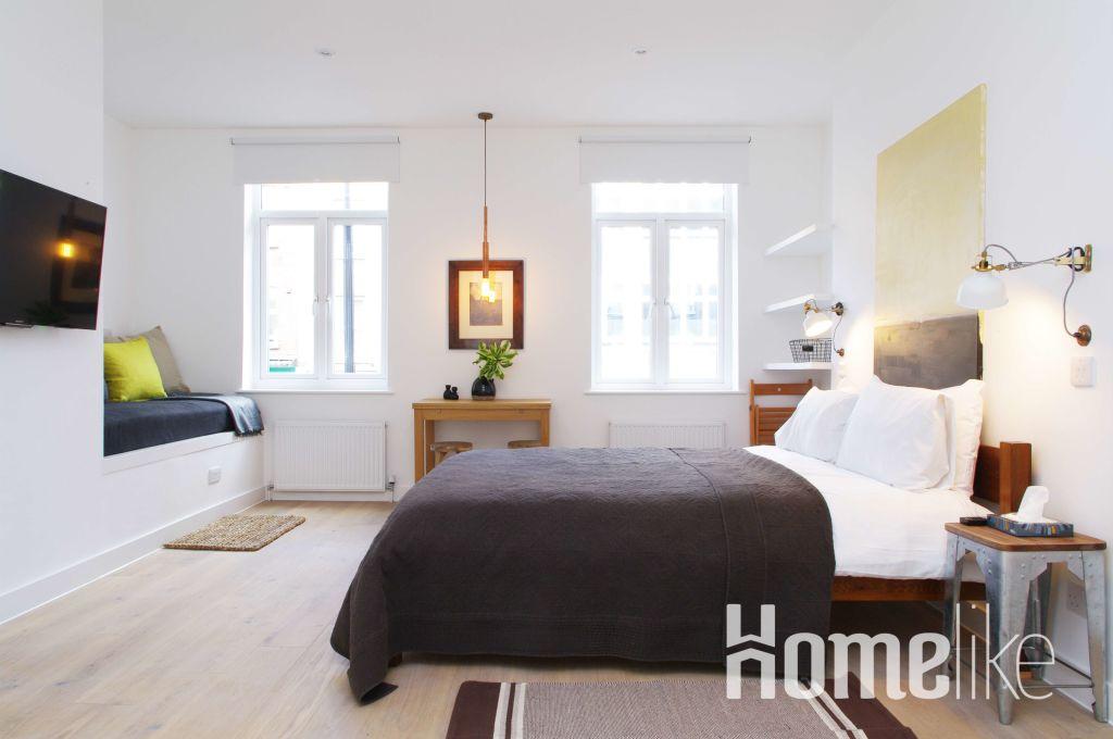 3700 1 Bloomsbury Camden, London