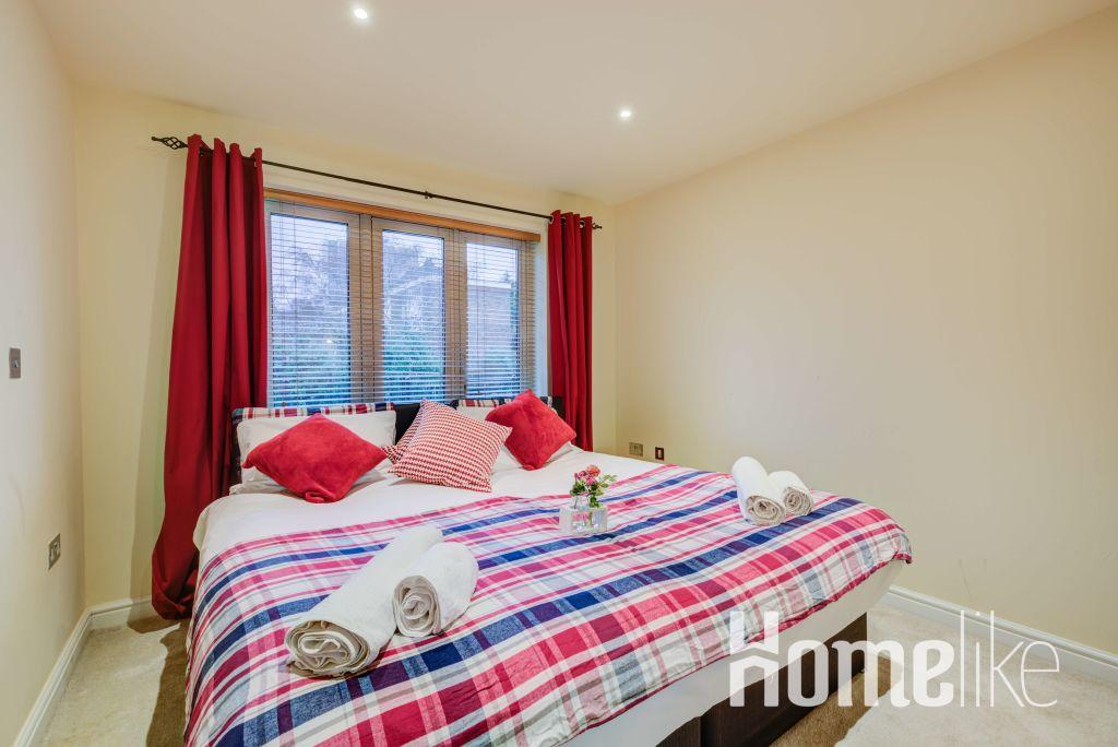 image 3 furnished 3 bedroom Apartment for rent in Brentford, Hounslow