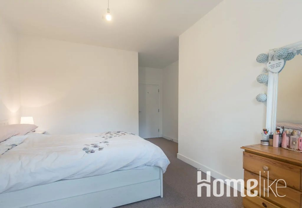 image 3 furnished 2 bedroom Apartment for rent in Bromley by Bow, Tower Hamlets