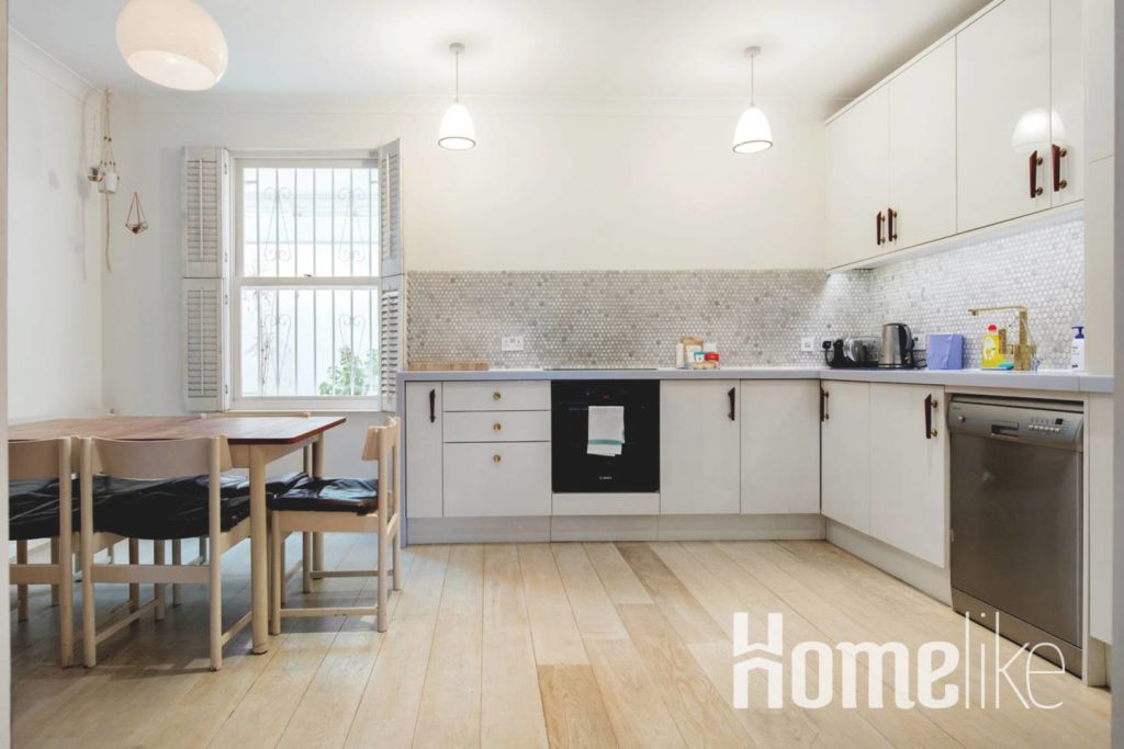 image 9 furnished 3 bedroom Apartment for rent in Kings Cross, Camden