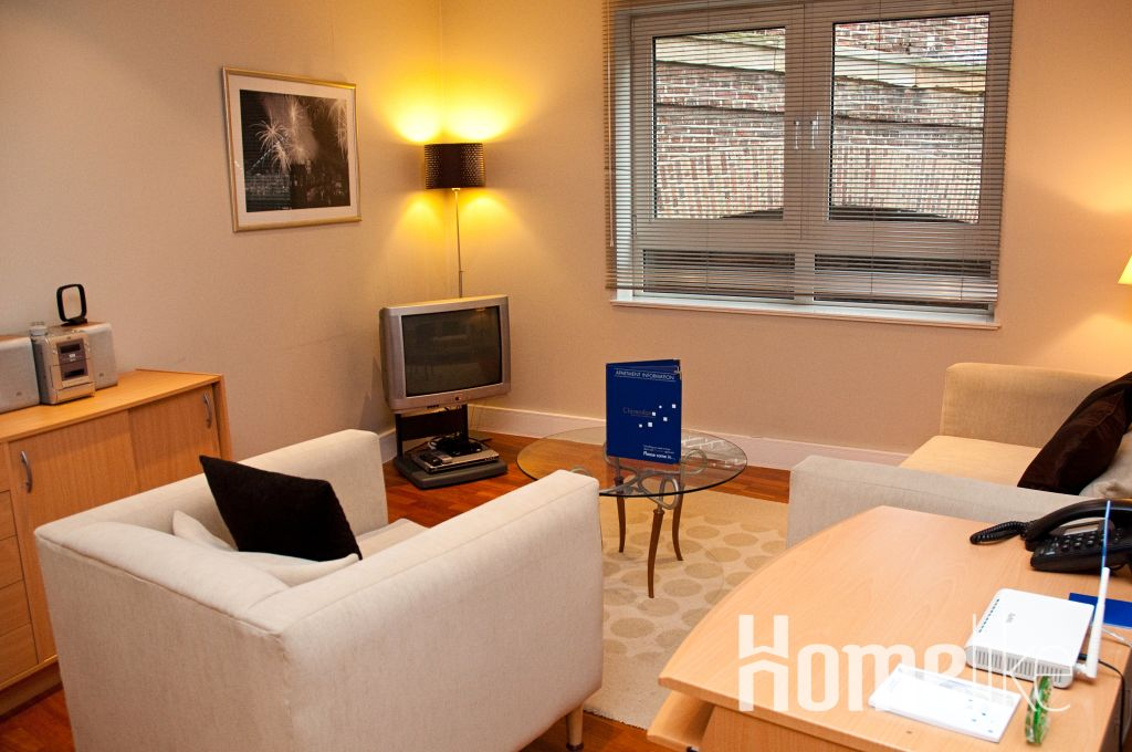 image 2 furnished 2 bedroom Apartment for rent in Tower, City of London