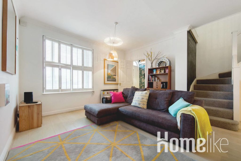 image 2 furnished 3 bedroom Apartment for rent in Kings Cross, Camden