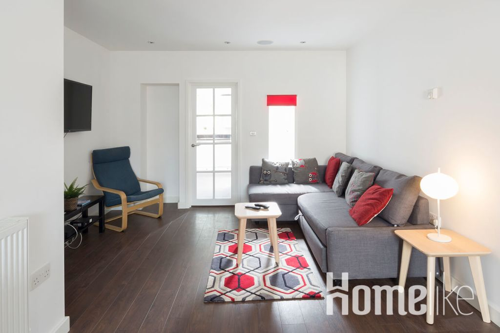image 1 furnished 3 bedroom Apartment for rent in Maidstone, Kent