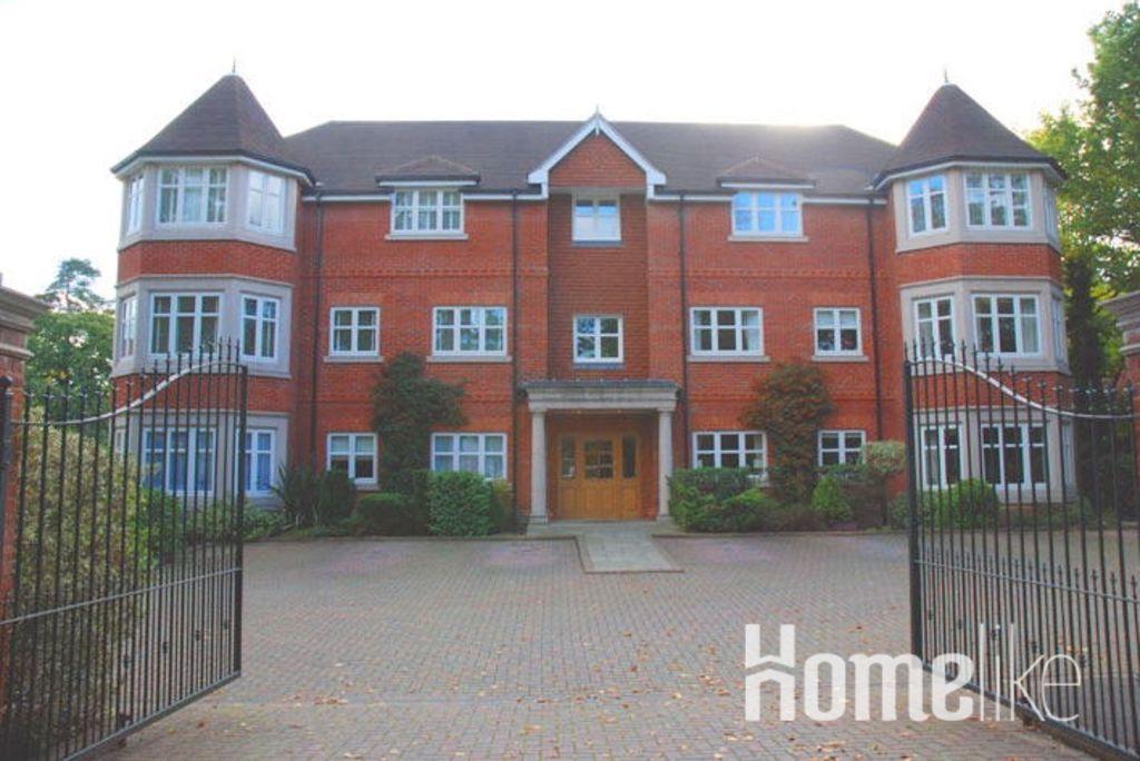 image 9 furnished 2 bedroom Apartment for rent in Elmbridge, Surrey
