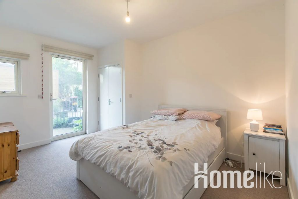image 2 furnished 2 bedroom Apartment for rent in Bromley by Bow, Tower Hamlets