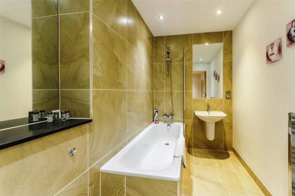 image 6 furnished 2 bedroom Apartment for rent in Bermondsey, Southwark