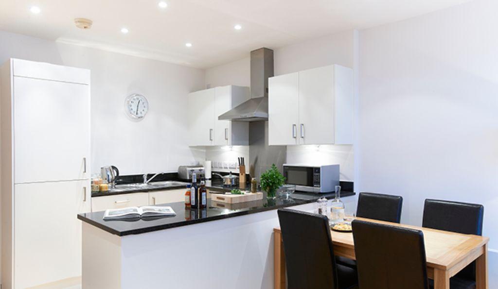 image 2 furnished 2 bedroom Apartment for rent in Watford, Hertfordshire