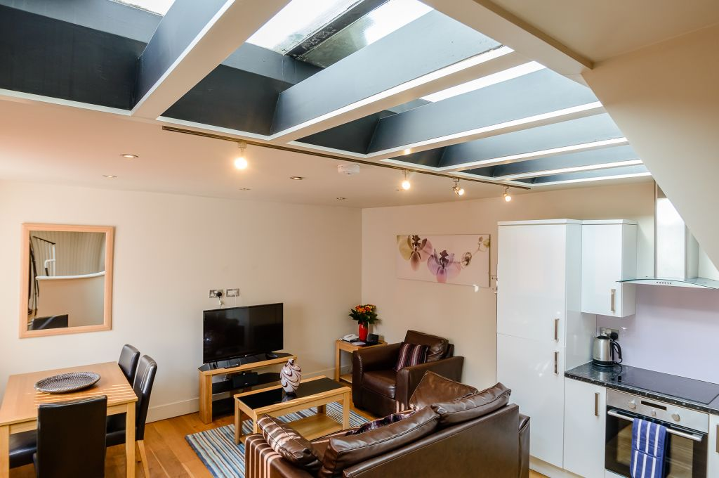 image 1 furnished 1 bedroom Apartment for rent in Covent Garden, City of Westminster