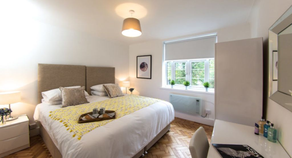 image 6 furnished 2 bedroom Apartment for rent in Fortis Green, Haringey
