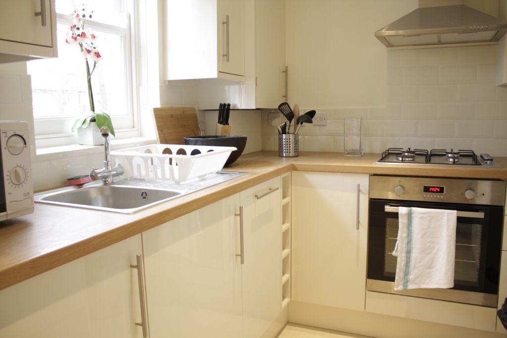 image 8 furnished 2 bedroom Apartment for rent in Kensal Green, Brent