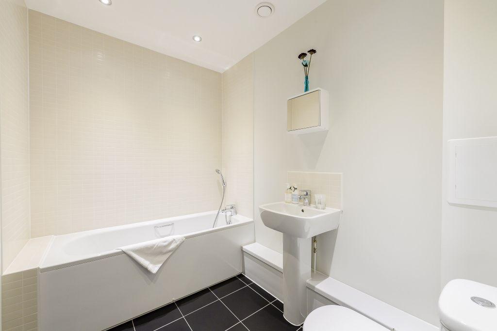 image 2 furnished 2 bedroom Apartment for rent in Colindale, Barnet