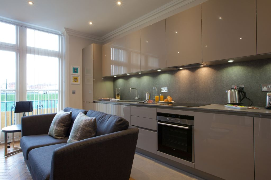 image 4 furnished 2 bedroom Apartment for rent in North End, Bexley