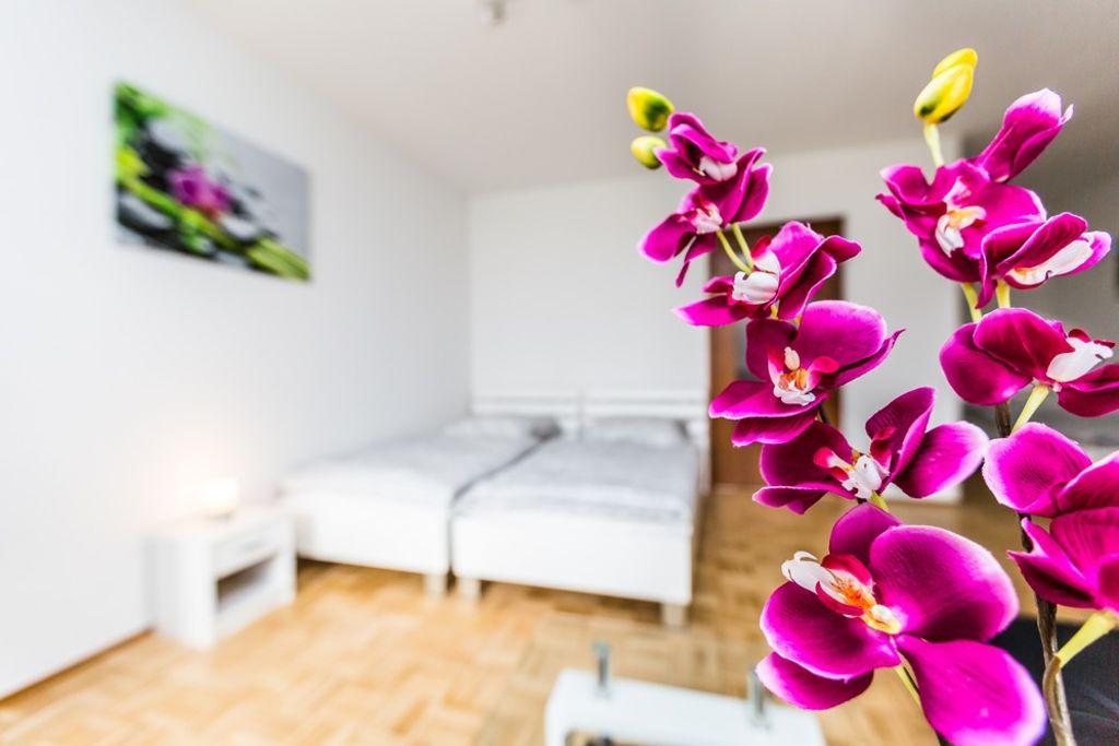 image 1 furnished 1 bedroom Apartment for rent in Monheim Am Rhein, Mettmann