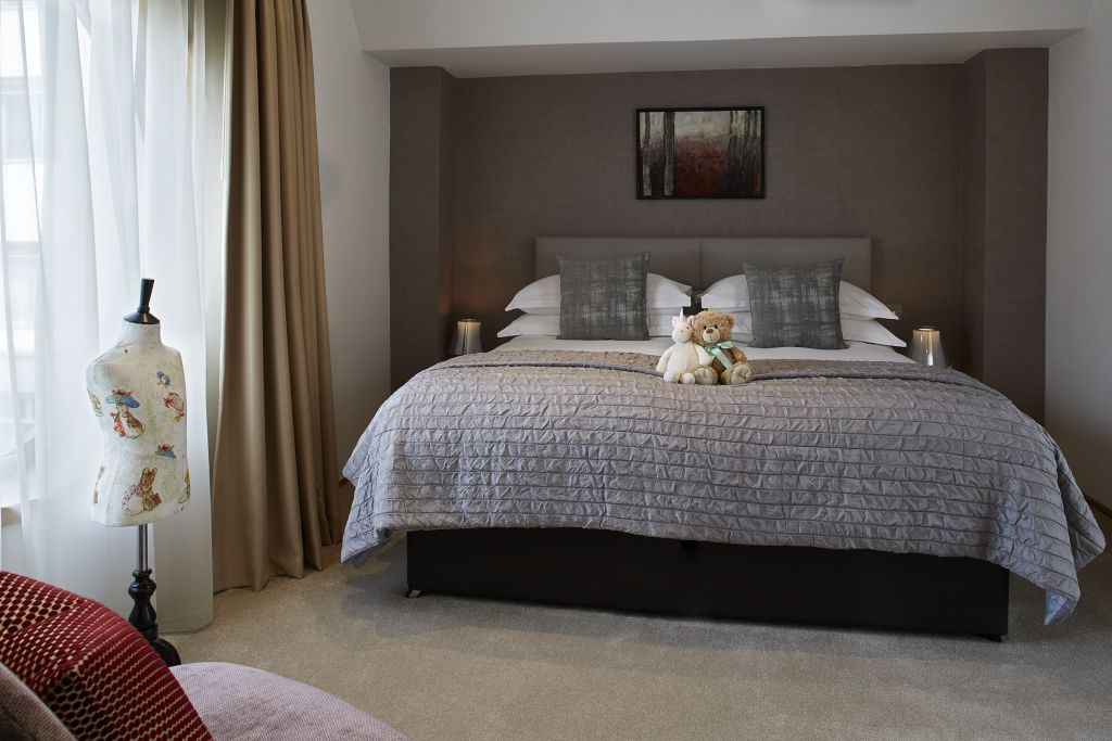 image 10 furnished 4 bedroom Apartment for rent in Belgravia, City of Westminster