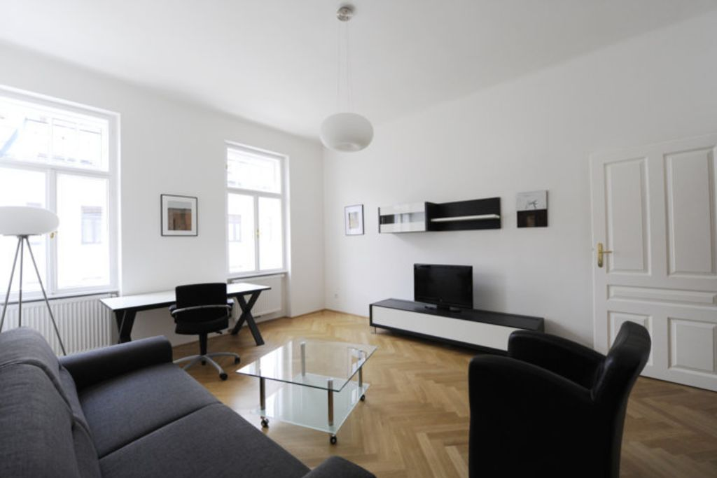 image 1 furnished 3 bedroom Apartment for rent in Meidling, Vienna