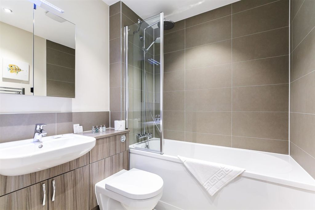 image 4 furnished 1 bedroom Apartment for rent in West Harrow, Harrow