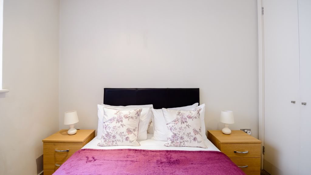 image 2 furnished 1 bedroom Apartment for rent in Covent Garden, City of Westminster