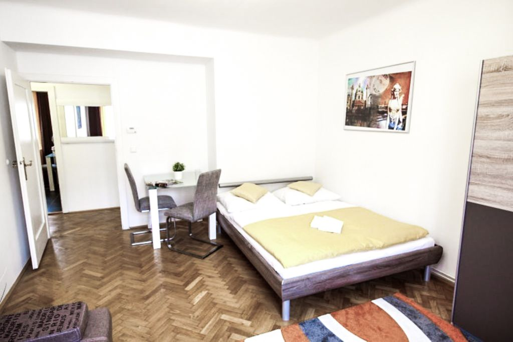 image 1 furnished 2 bedroom Apartment for rent in Neubau, Vienna