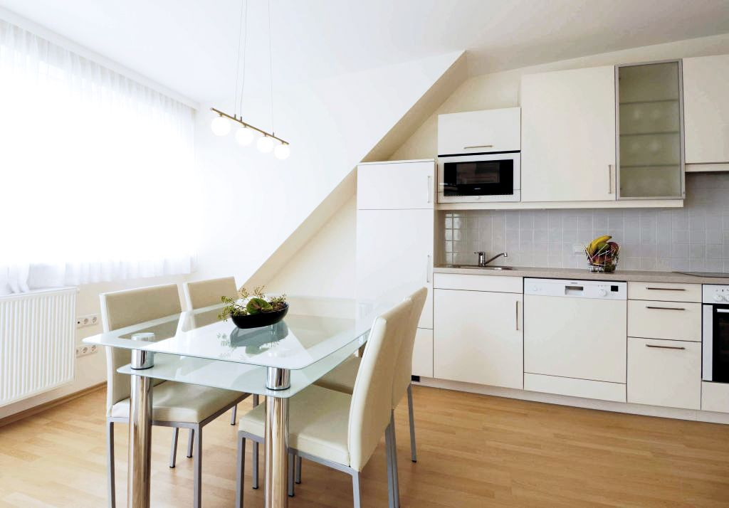 image 1 furnished 3 bedroom Apartment for rent in Favoriten, Vienna