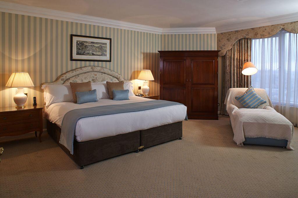 image 1 furnished 2 bedroom Apartment for rent in Kensington, Kensington Chelsea