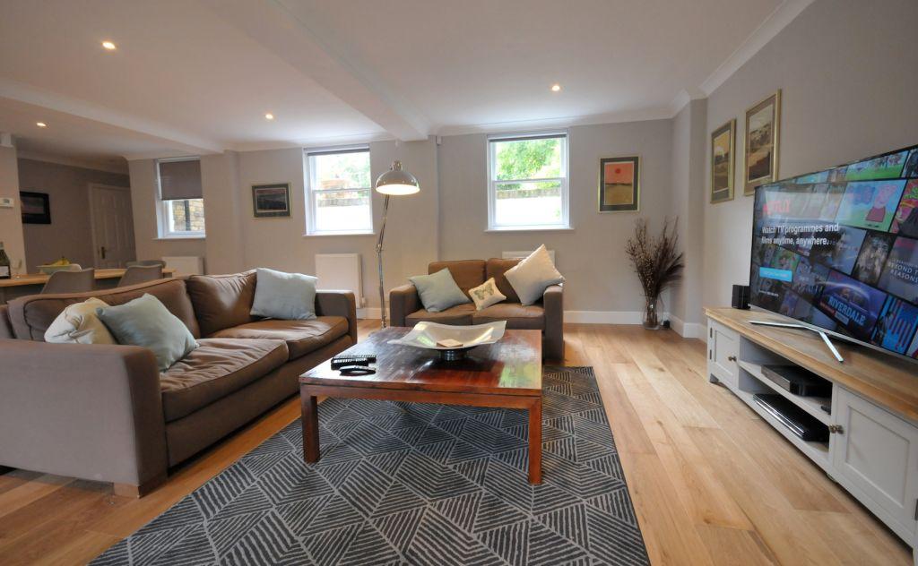 image 4 furnished 2 bedroom Apartment for rent in Elmbridge, Surrey