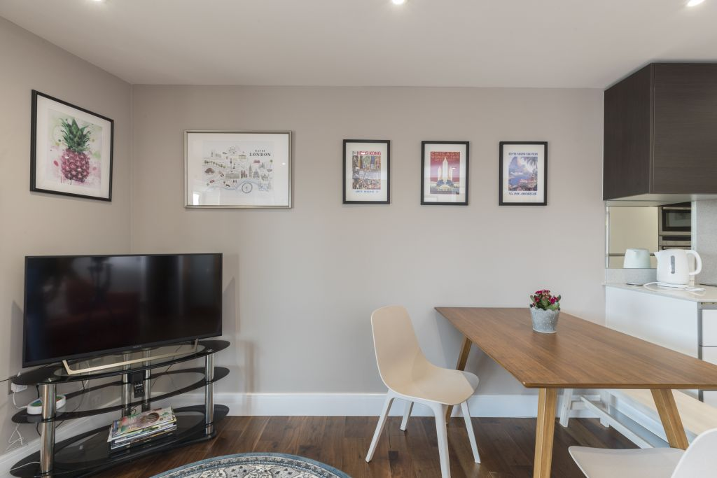 image 3 furnished 2 bedroom Apartment for rent in Richmond, Richmond upon Thames