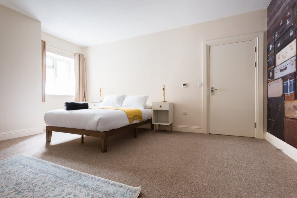 image 9 furnished 3 bedroom Apartment for rent in Clifton East, Bristol